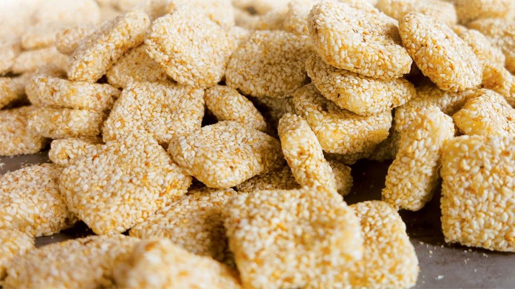 Bánh khô mè - Đặc sản Quảng Đà
